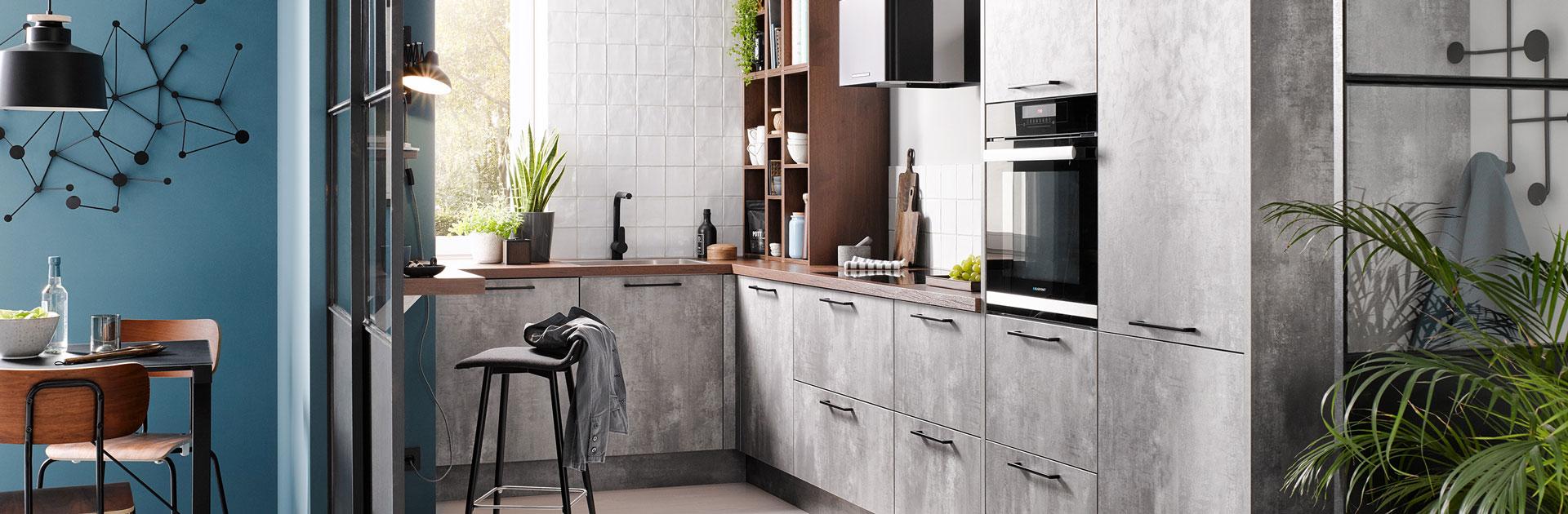 Betonlook keuken met hout keukenblad | Eigenhuis Keukens