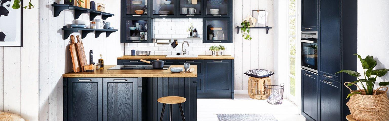 Donker blauw kookeiland | Eigenhuis Keukens