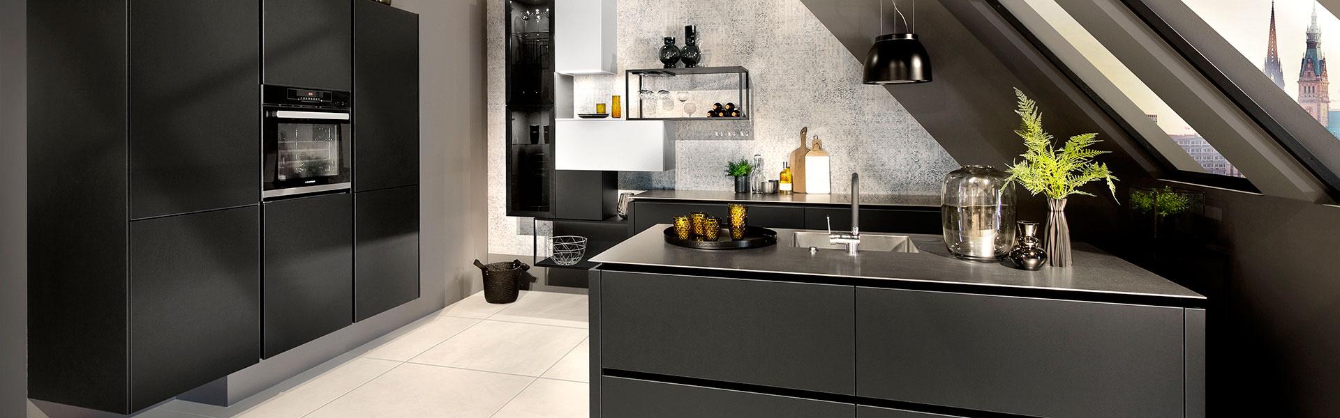 Mooie donkere keuken | Keuken inspiratie | Eigenhuis Keukens