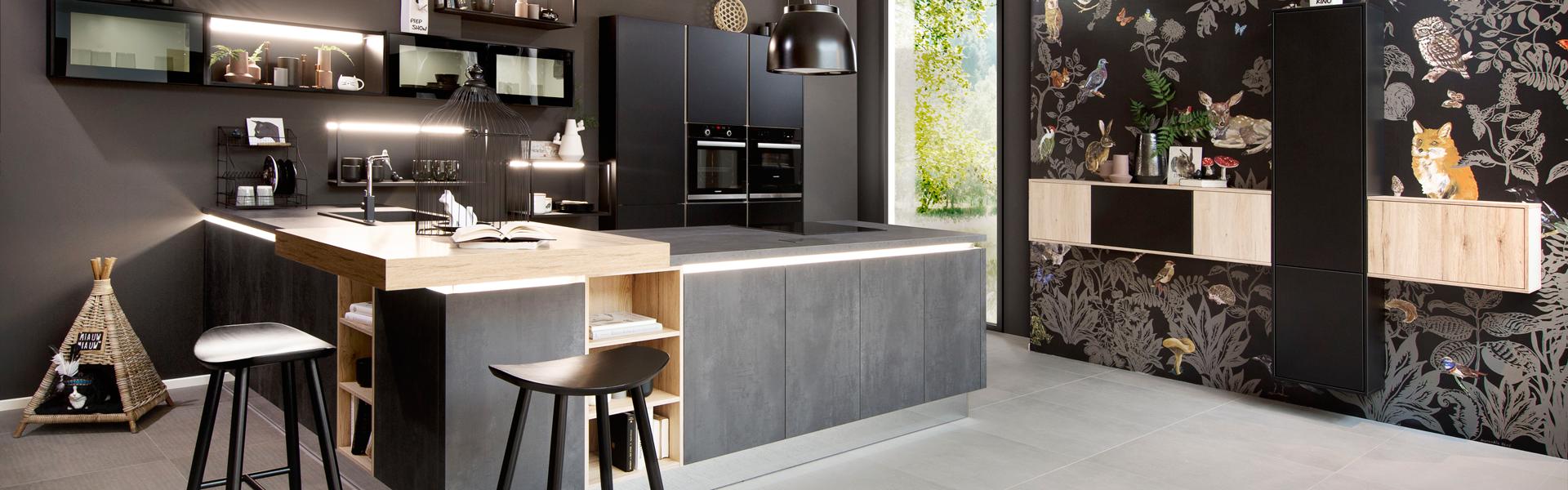Ruimtelijke keuken met bar   Keuken inspiratie bij Eigenhuis Keuken
