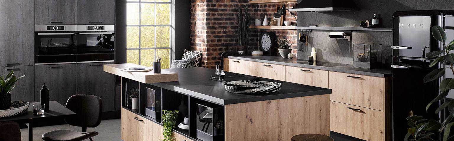 Zwarte houten keuken | Keuken inspiratie | Eigenhuis Keukens